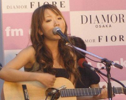 林明日香ギター演奏